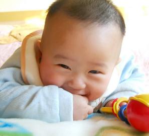 2岁孩子蛀牙图片图片2
