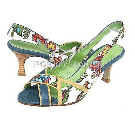 今天夏天办公室流行的凉鞋职场女人 心情策略